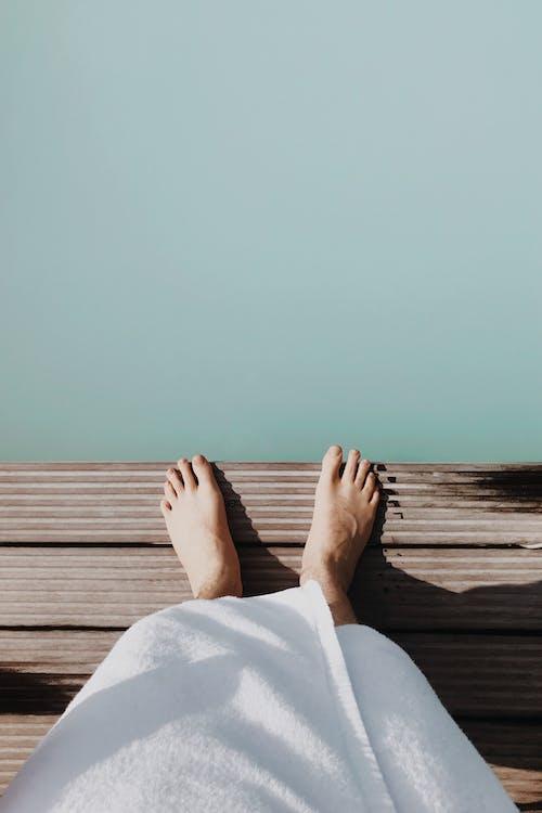 Foto d'estoc gratuïta de a l'aire lliure, aigua, andana, balneari