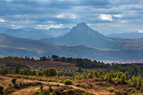 Darmowe zdjęcie z galerii z błękitne góry, hiszpania, naturalny krajobraz, piękny krajobraz