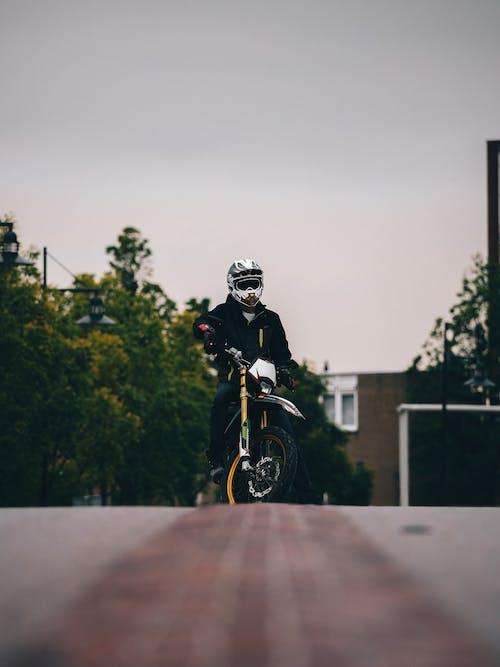 Ingyenes stockfotó bicikli, Férfi, jármű, közlekedési rendszer témában