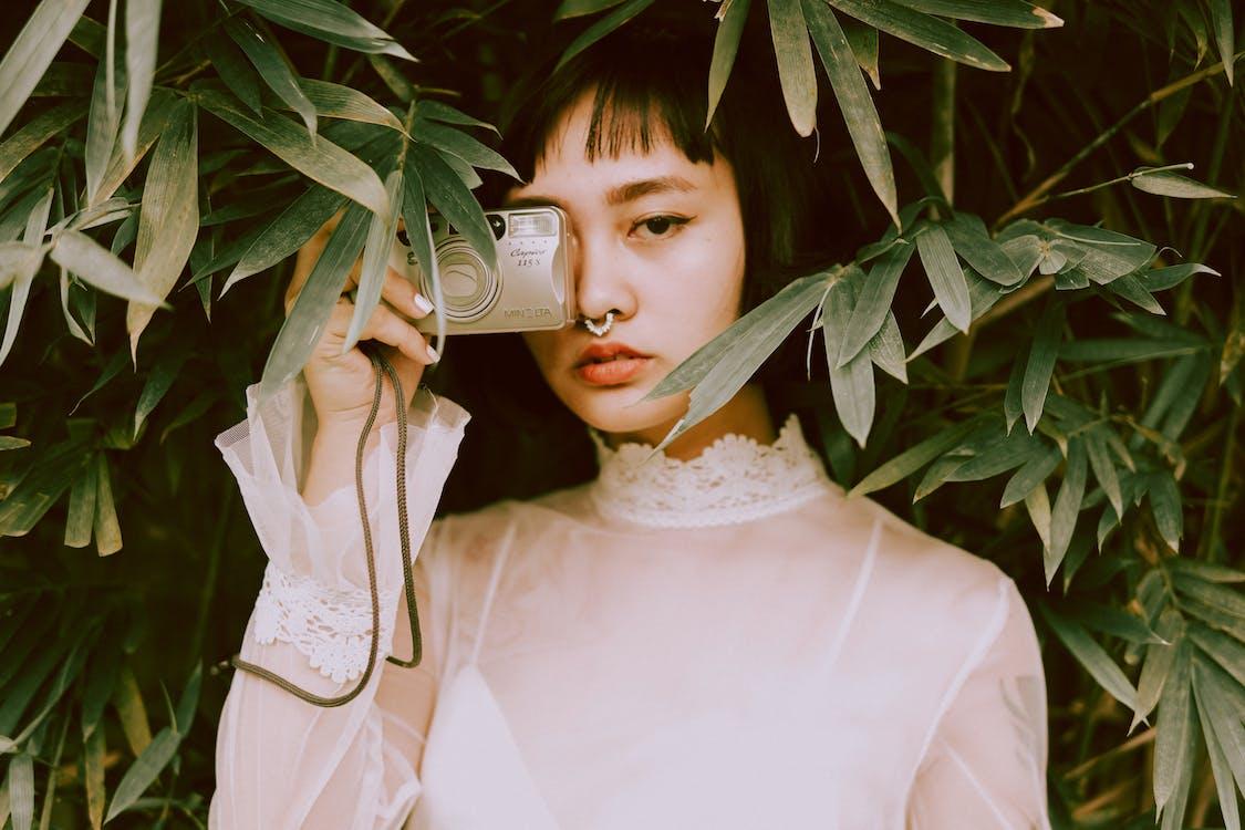 Ilmainen kuvapankkikuva tunnisteilla aasialainen, aasialainen nainen, asento