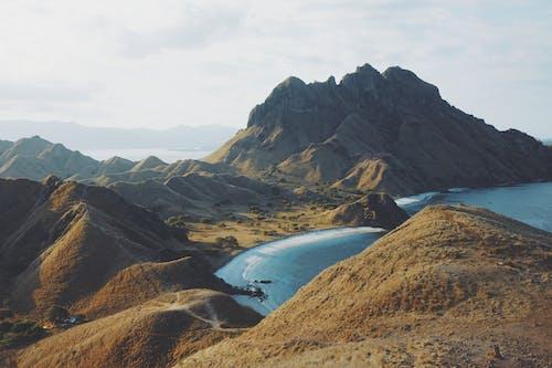 Δωρεάν στοκ φωτογραφιών με ακτή, ακτογραμμή, βουνά, γραφικός