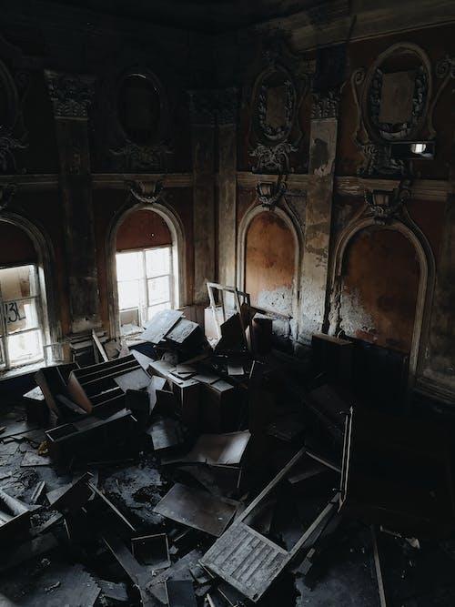 Fotos de stock gratuitas de abandonado, adentro, arquitectura, basura