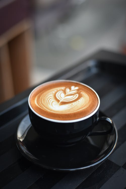 Gratis stockfoto met artistiek, cafeïne, cappuccino, close-up