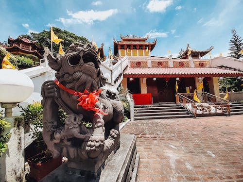 Free stock photo of chinese lion statue, Chinese temple, landscape