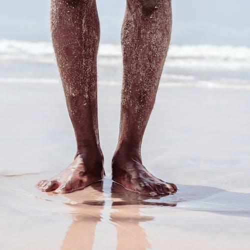 Imagine de stoc gratuită din apă, cu picioarele goale, faleză, în aer liber