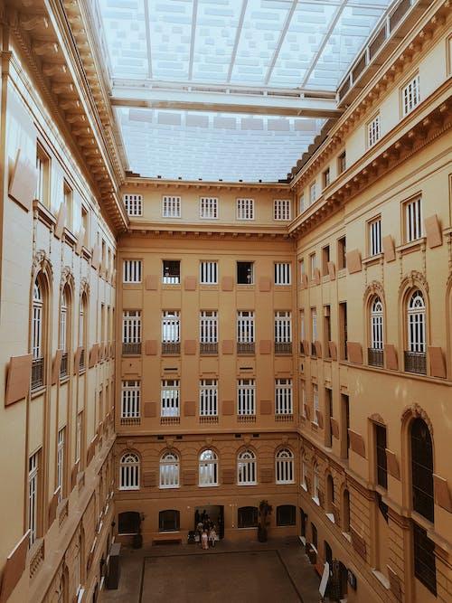 Foto profissional grátis de alto, arquitetura, arquitetura contemporânea, arquitetura moderna