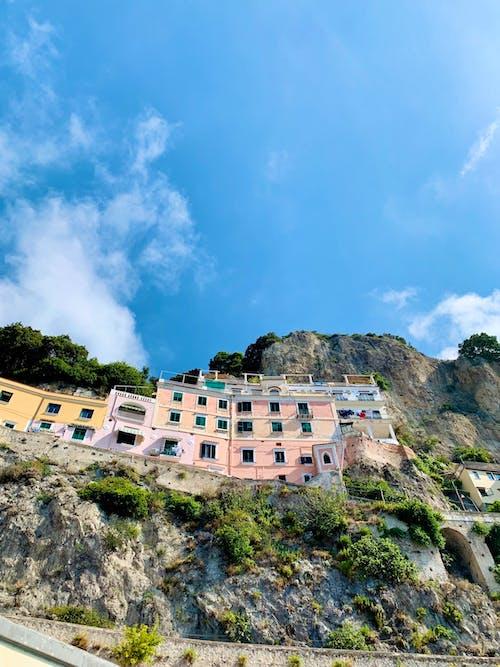 Ảnh lưu trữ miễn phí về amalfi, bờ biển Amalfi, ngôi nhà đầy màu sắc, thiết kế kiến trúc