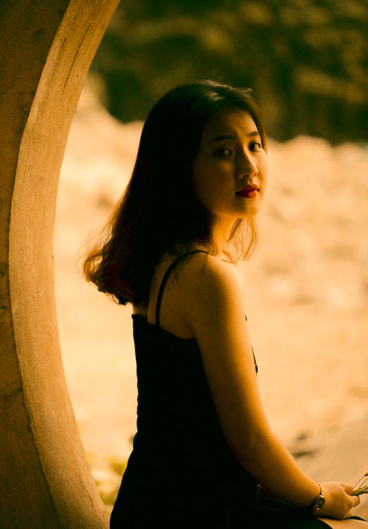 азіатська жінка, вираз обличчя, волосина