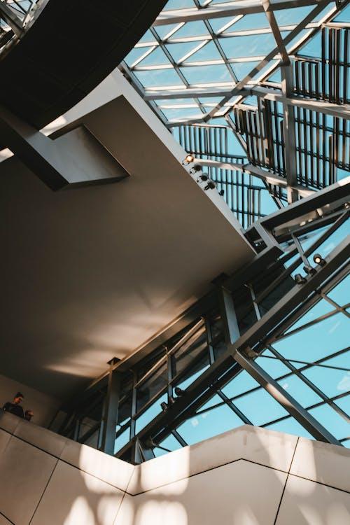 Arsitektur, bagian dalam, baja