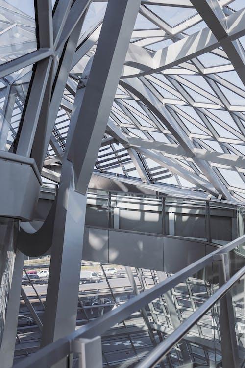 Darmowe zdjęcie z galerii z architektura, metalowa rama, miejski, nowoczesny
