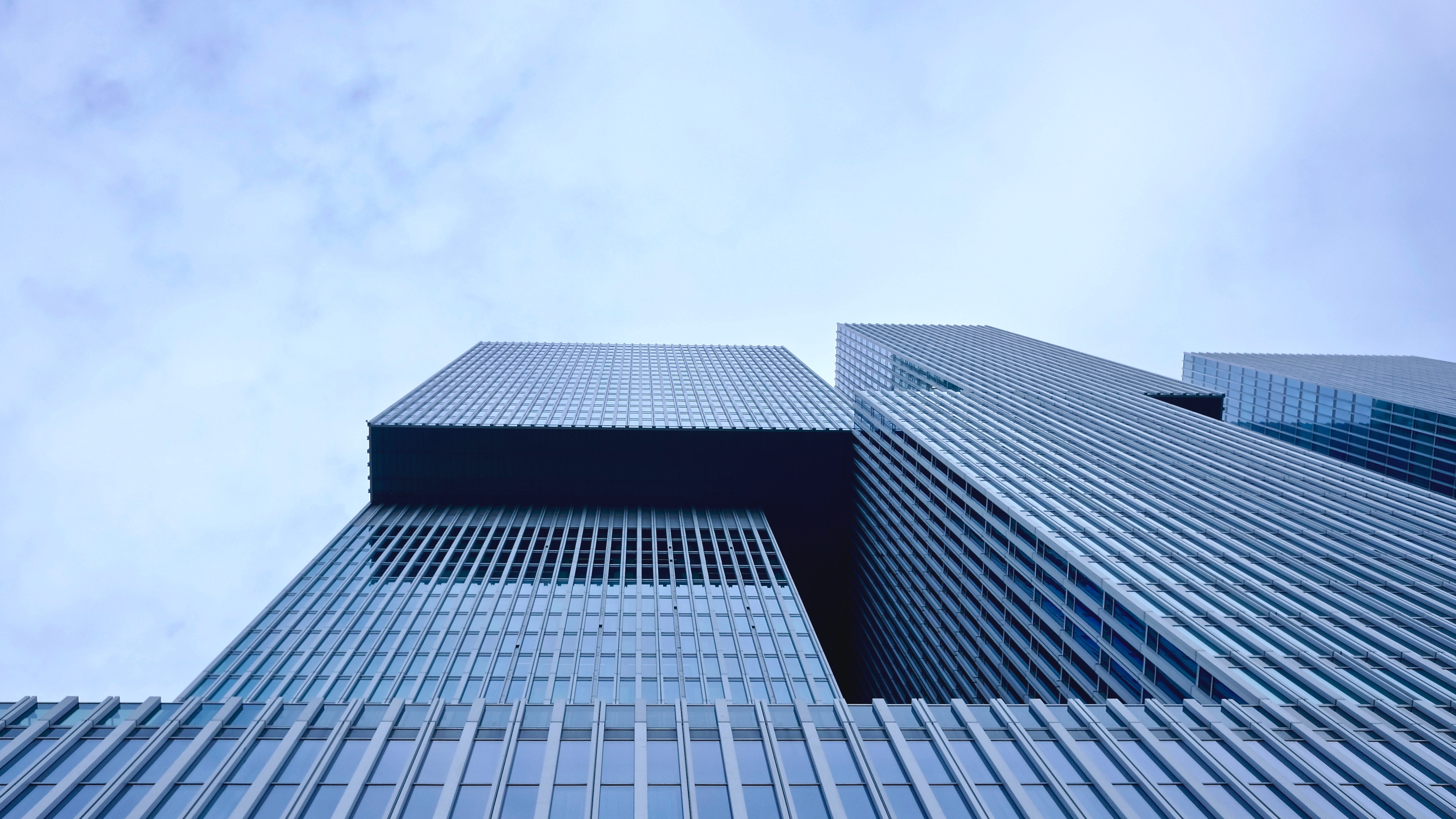 White and Blue Building during Daytime · Free Stock Photo