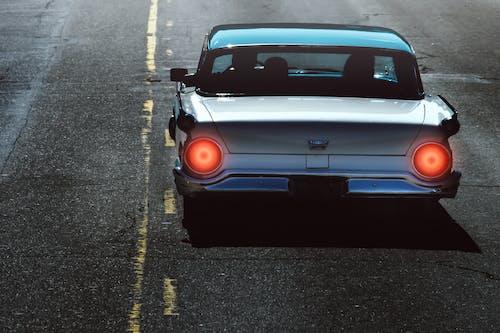 Gratis stockfoto met achterlichten, actie, asfalt, auto