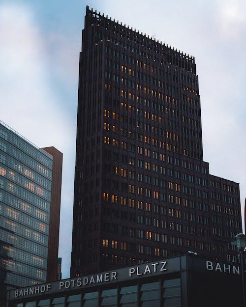 Δωρεάν στοκ φωτογραφιών με Βερολίνο, γραφείο, κακόκεφος, φώτα