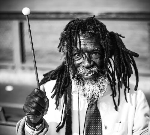 Бесплатное стоковое фото с борода, дреды, мужчина, портрет