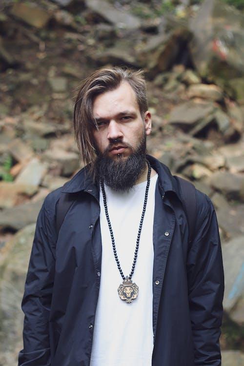 Fotos de stock gratuitas de atuendo, barba, cabello, collar