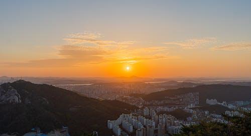 Безкоштовне стокове фото на тему «Азія, гора, жовтий, Захід сонця»