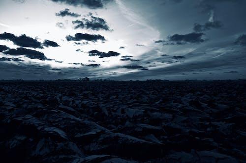 Gratis stockfoto met acre, dramatisch, dramatische hemel, grayscale