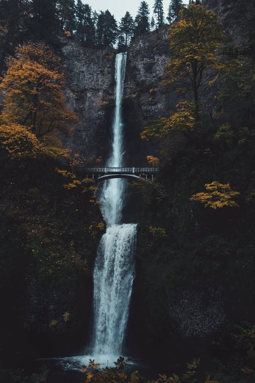 Photo of Multnomah Waterfalls