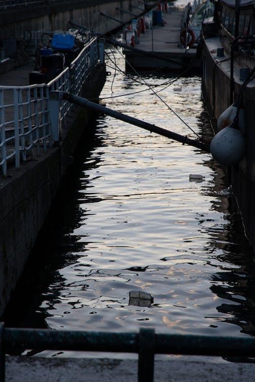 Fotos de stock gratuitas de agua, amarradero, azul, barrera