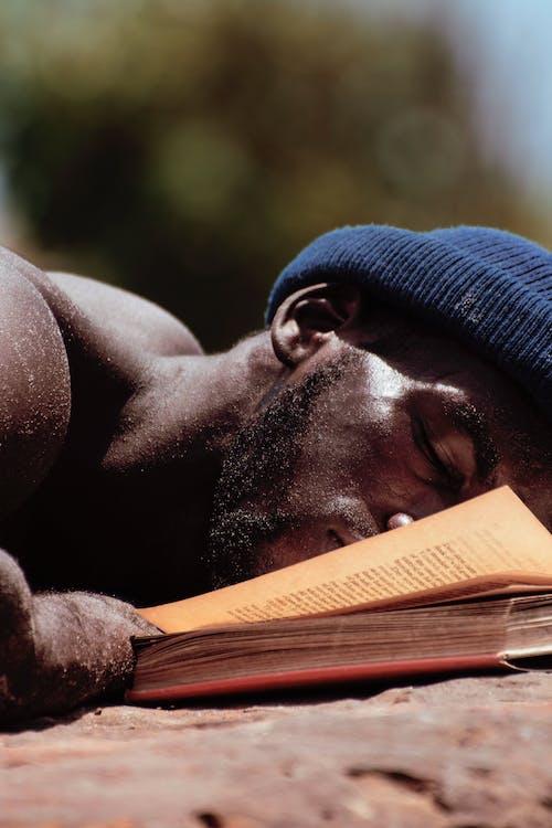 Imagine de stoc gratuită din adult, carte, concentrare, doarme