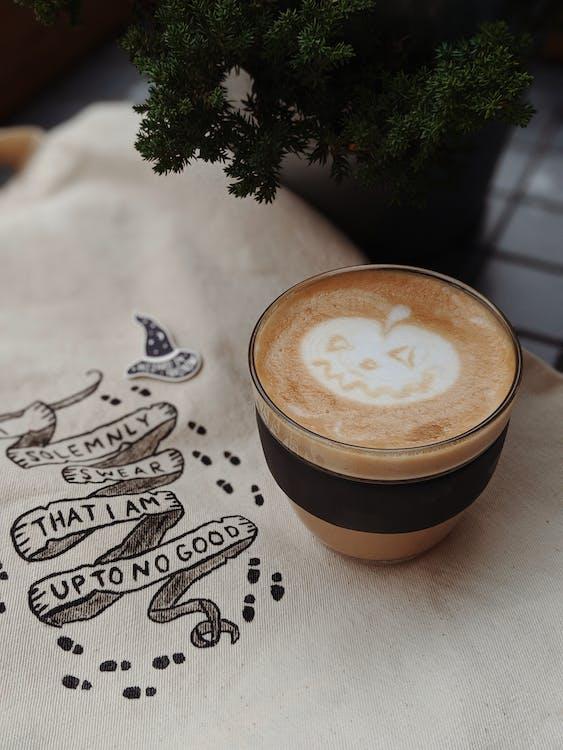 cappuccino, csésze, dekor