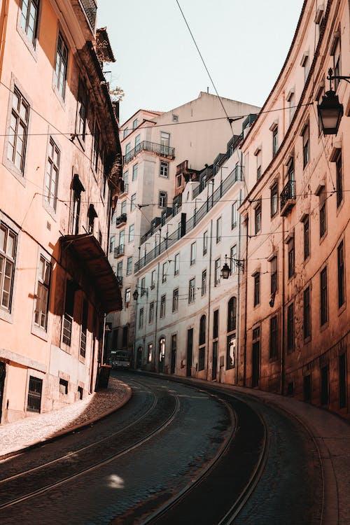 Immagine gratuita di architettura, case, città, cittadina