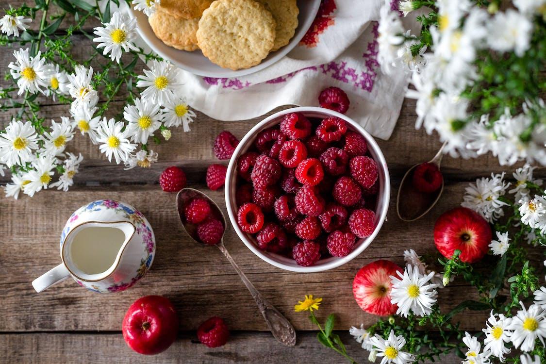 Früchte Und Blumen Auf Blumen