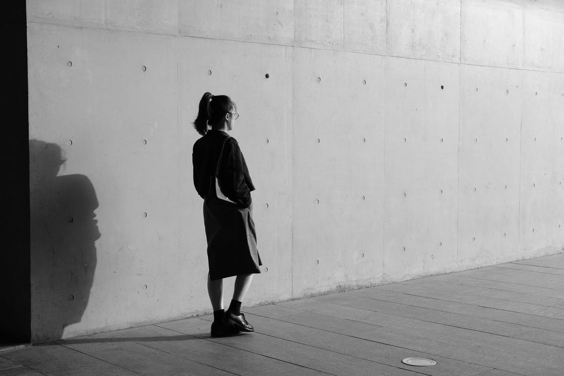 blanc i negre, caminant, dempeus