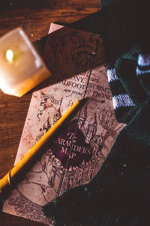 Gratis arkivbilde med blyant, bord, farger, fokus