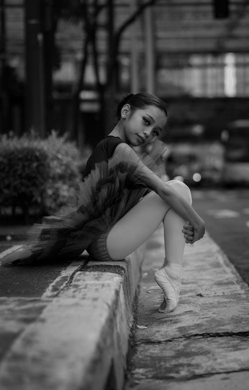 Kostenloses Stock Foto zu allein, auf zehenspitzen, ballerina, ballett