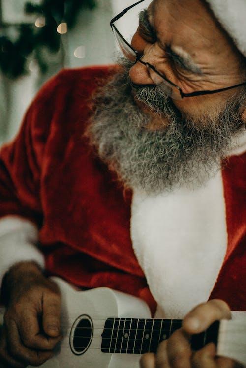 Ilmainen kuvapankkikuva tunnisteilla aikuinen, asento, esiintymisasu, hyvää joulua