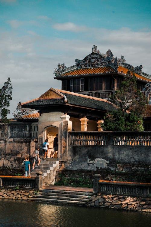 강가, 건물 외관, 건축, 걷고 있는의 무료 스톡 사진