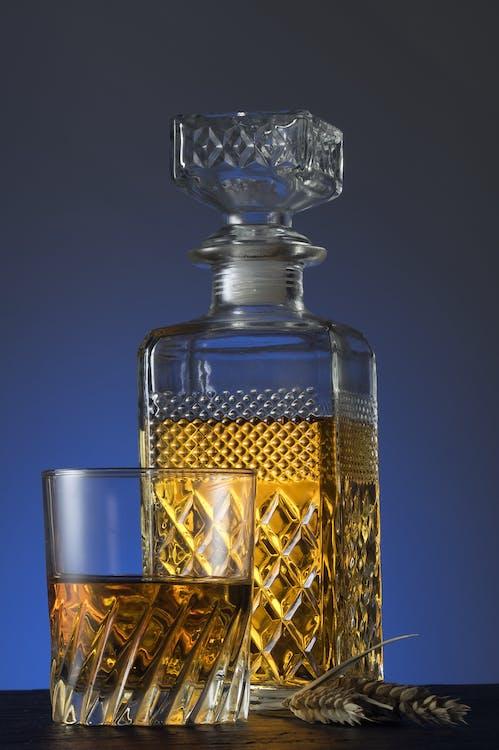alkohol, detailný záber, fľaša