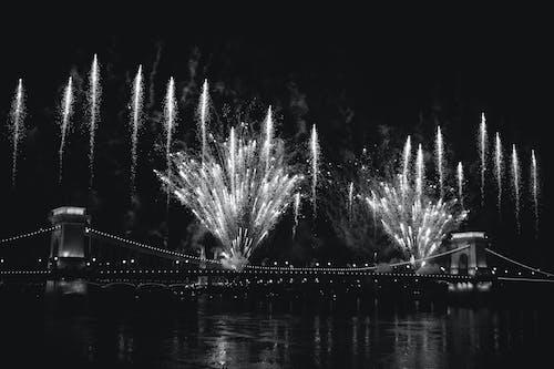Ảnh lưu trữ miễn phí về bắn pháo hoa, Budapest, cầu, đen và trắng