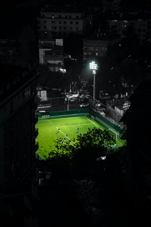 Darmowe zdjęcie z galerii z futbol, noc miasta, piłka nożna, stadion piłkarski