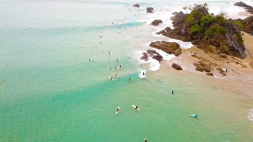 Бесплатное стоковое фото с активный отдых, берег моря, берег океана, волны