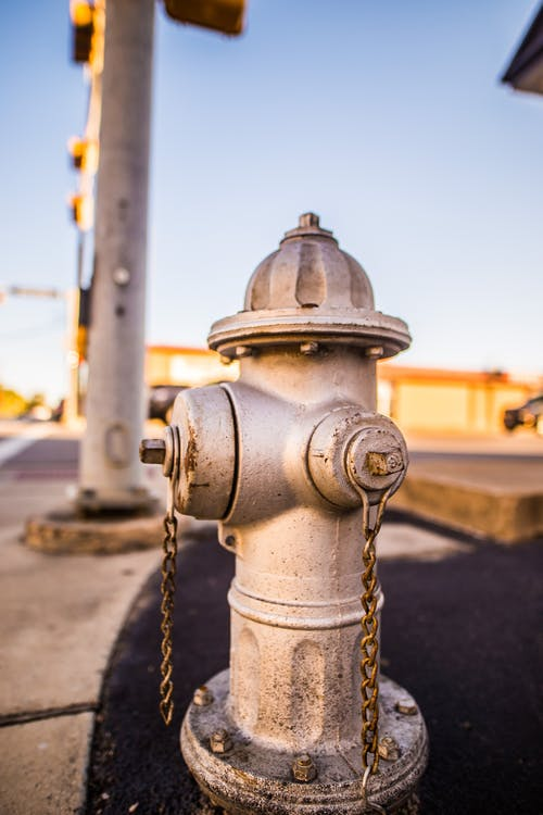 Foto d'estoc gratuïta de acer, boca d'incendi, desenfocament, emergència