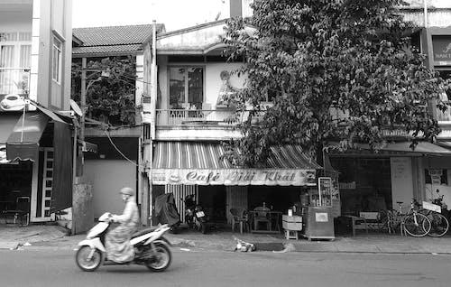 Immagine gratuita di asia, bicicletta, business, ladyonabike