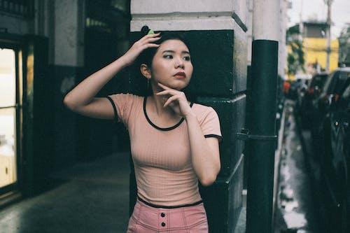 Ilmainen kuvapankkikuva tunnisteilla aasialainen tyttö, aikuinen, asento, asu