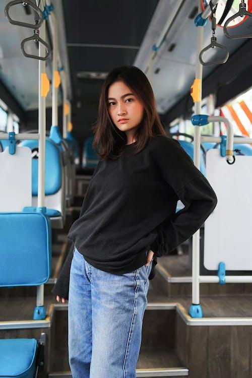 Fotobanka sbezplatnými fotkami na tému autobus, Aziat, Aziatka, Ázijčan