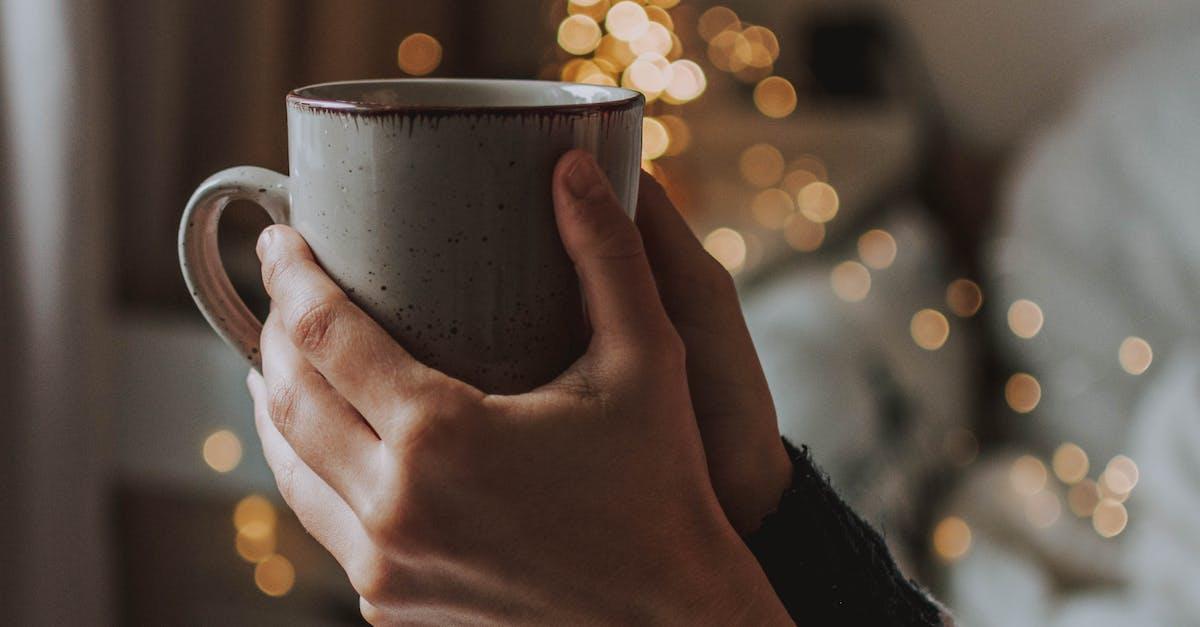 Картинка с кофе в руке