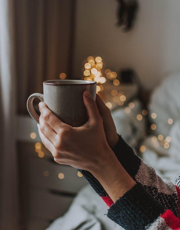 คลังภาพถ่ายฟรี ของ กาแฟ, กาแฟในถ้วย, คน