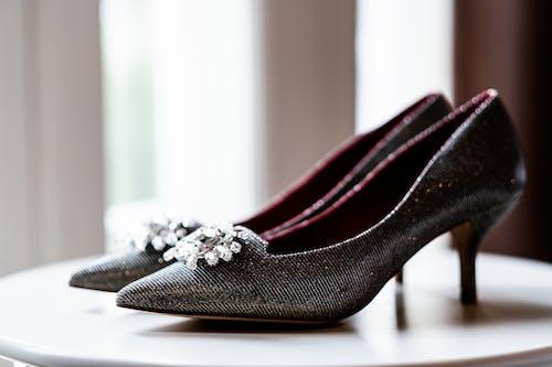 Foto stok gratis alas kaki, anggun, dof, heels