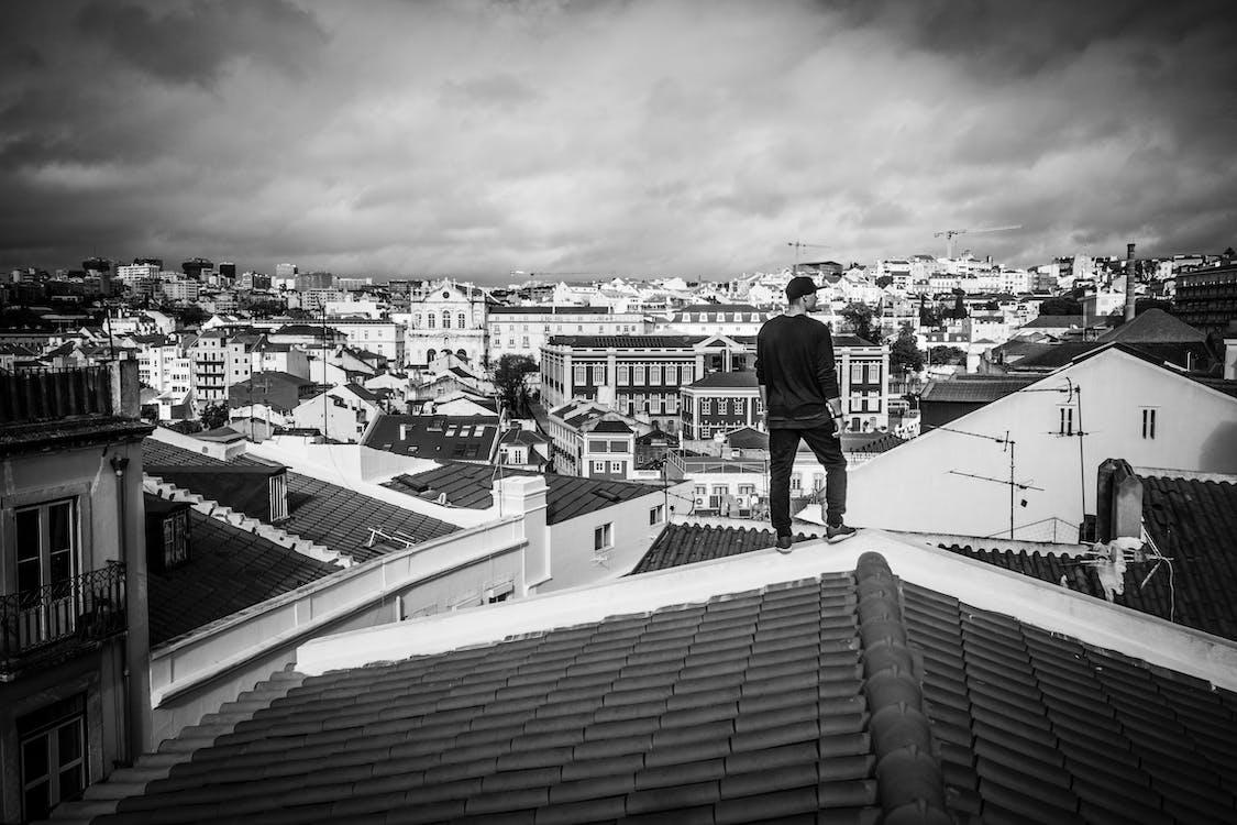 muž, střecha, střechy