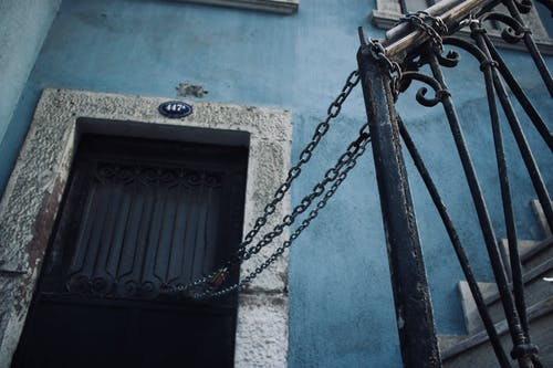 Darmowe zdjęcie z galerii z drabina, kłódka, niebieskie tło, prywatność