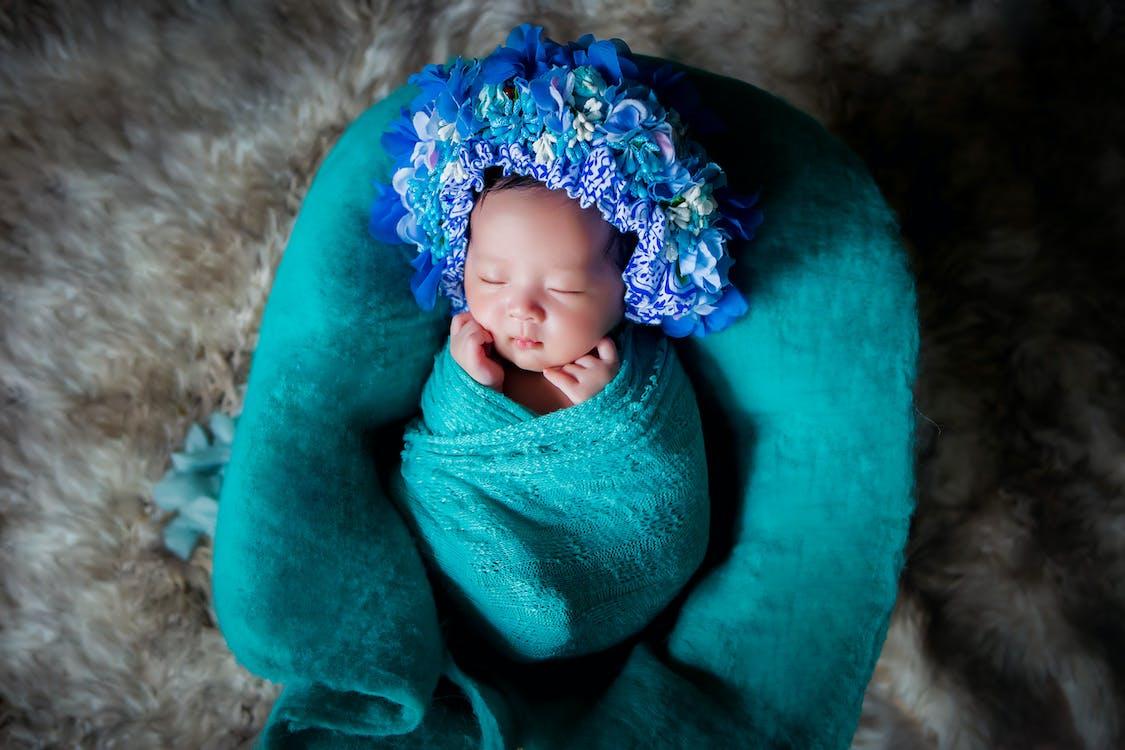 Baby Gedekt Door Blauwe Deken