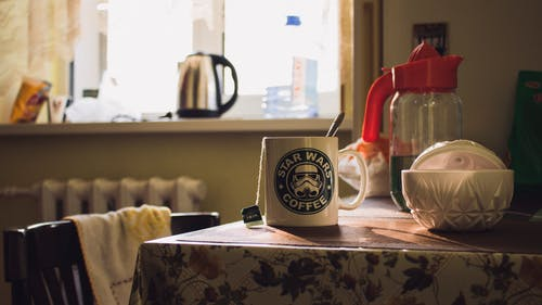Kostenloses Stock Foto zu becher, erfrischung, frühstück, getränk
