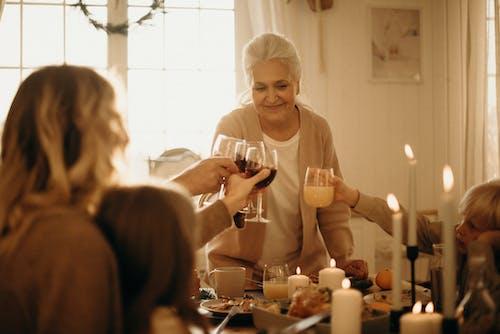 Kostenloses Stock Foto zu abendessen, brille, danksagung, essen