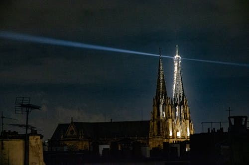 Fotos de stock gratuitas de antena, azotea, capilla, estelas de luz