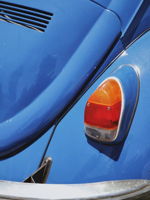 Kostnadsfri bild av bil, blå bil, parkerad bil, Volkswagen Beetle